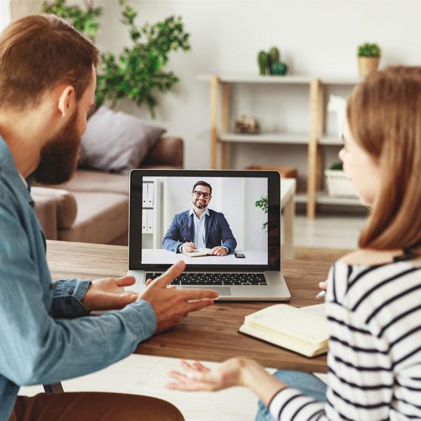 la videochiamata per avere consulenza ed assistenza comodamente da casa a distanza