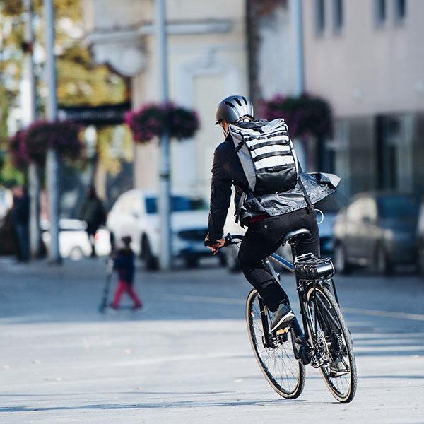 tutela-legale-ciclista-vita-privata-assix